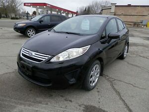 2013 Ford FIESTA  SELLING AS IS SE