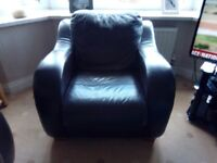 Leather 3 seater, 2 sester and chair