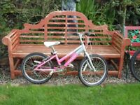 "Raleigh Krush, Girls Mountain bike, 20"" Alloy wheels, 6 gears, good condition"