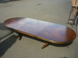 Large Extandable Coffee table