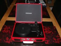 Crosley Cruiser Retro Briefcase Vinyl Record Player in Red...