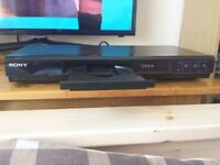 Sony Blu-ray Dvd Player comes with remote