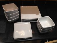 Square dinning set large plates, side plates and bowls