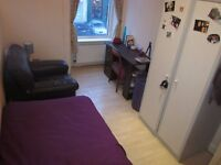 Single room in Leith Walk until Dec 15 *ALL INCLUDED*