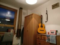 Cozy, single bedroom in a friendly flatshare