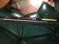 Ronnie O'Sullivan 2 piece snooker cue with extension, weights and hard case