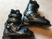 Rossignol ski boots size 27.5 (approx UK shoe size 9.5)