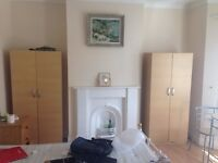 DOUBLE/MASTER ROOM-FIVE STAR LUXURY-IDEAL FOR I.T. PROFESSIONALS