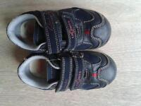 Clarks boys shoes size 4 1/2F