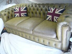 QUALITY VINTAGE LEATHER CHESTERFIELD SOFA SETTEE ANTIQUE OLIVE BROWN GREEN BUTTON BACK RARE