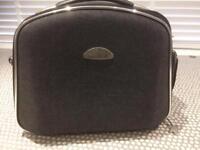 Sovereign luggage / make up bag
