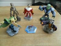 5x Disney Infinity Figures & Power Disc bundle. 15 pounds ono.