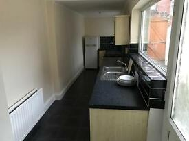 2 bed house to rent town area dss welcome bond negotiable