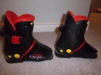 Munari Ski Boots R12