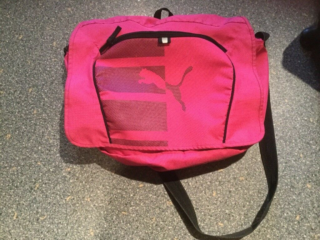 9e08b2c9bd PUMA over the shoulder bag. Fully working. Gym school etcIMMACULATEin  Denny