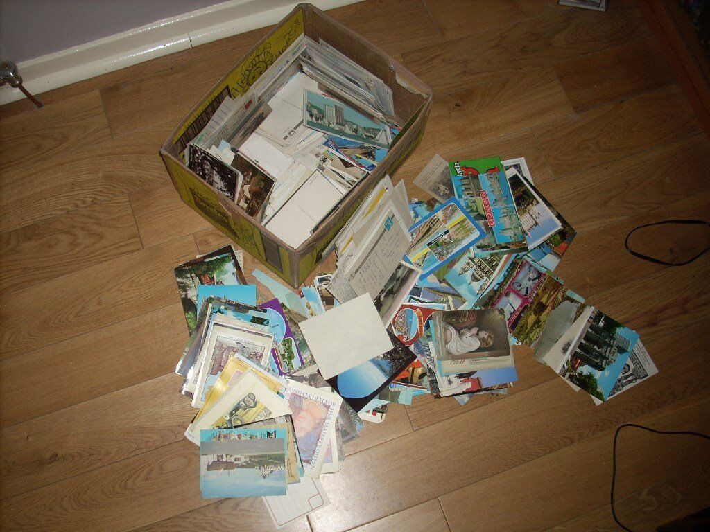 100s of Vintage Postcards all in good condition