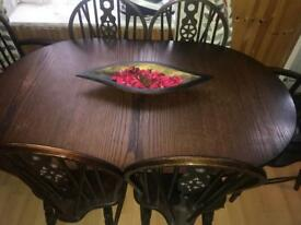 Extending wood dining table+6 chairs