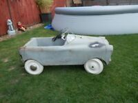 VINTAGE TRIANG PEDAL CAR
