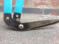 Unused Long handle Garden shears
