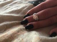 Lady engagement ring 18 k Diamond gold