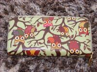 Owl purse, in wipeable material with zip. Excellent condition with compartments. £4.50
