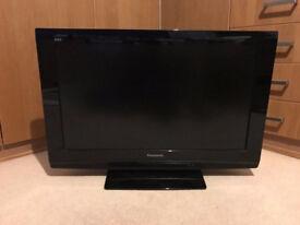 Panasonic 32 LCD TV in gloss black