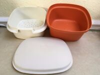 Tuperware Rice maker, orange base, cream insert and lid. Good condition. In good working order.