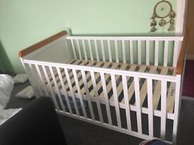 OBaby Cot Bed - No Mattress