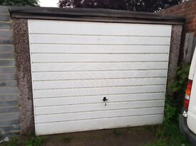 Lock up garage available for rent (ilford)