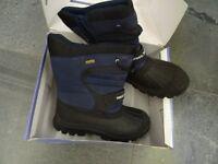 Trespass unworn snow boots size 5