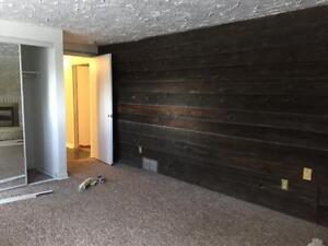 Lower 69 Nine Pines-2 Bedroom Apartment Near Sunrise Plaza