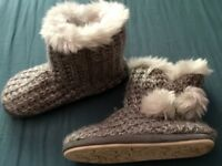 Knitted slipper boots size 7/8