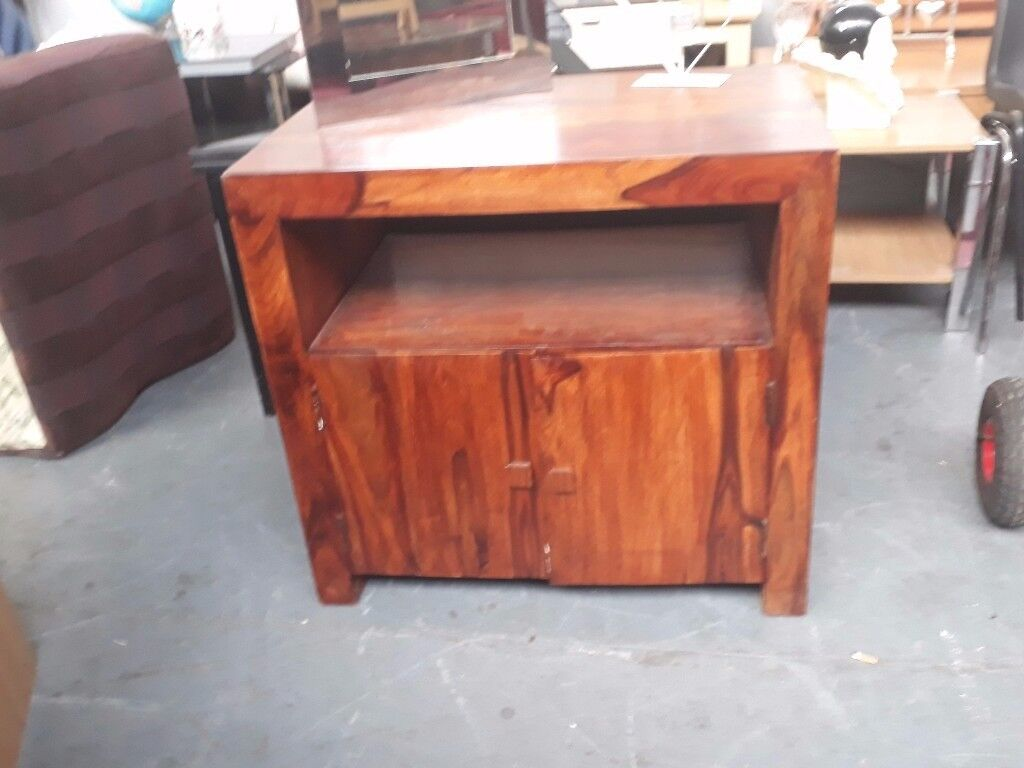 Beautiful and very solid rosewood media unit (80 cm x 50 cm x 75 cm high)