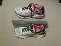Asics ladies trainers GT-1000 4 size 8