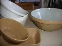 Mixing bowls, oven dishes and a casserole dish