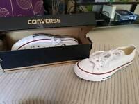 Converse - Women's Size 5 BRAND NEW