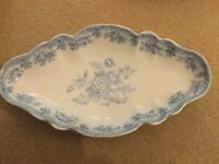 Delightful Blue and White oval Asiatic Pheasant dish