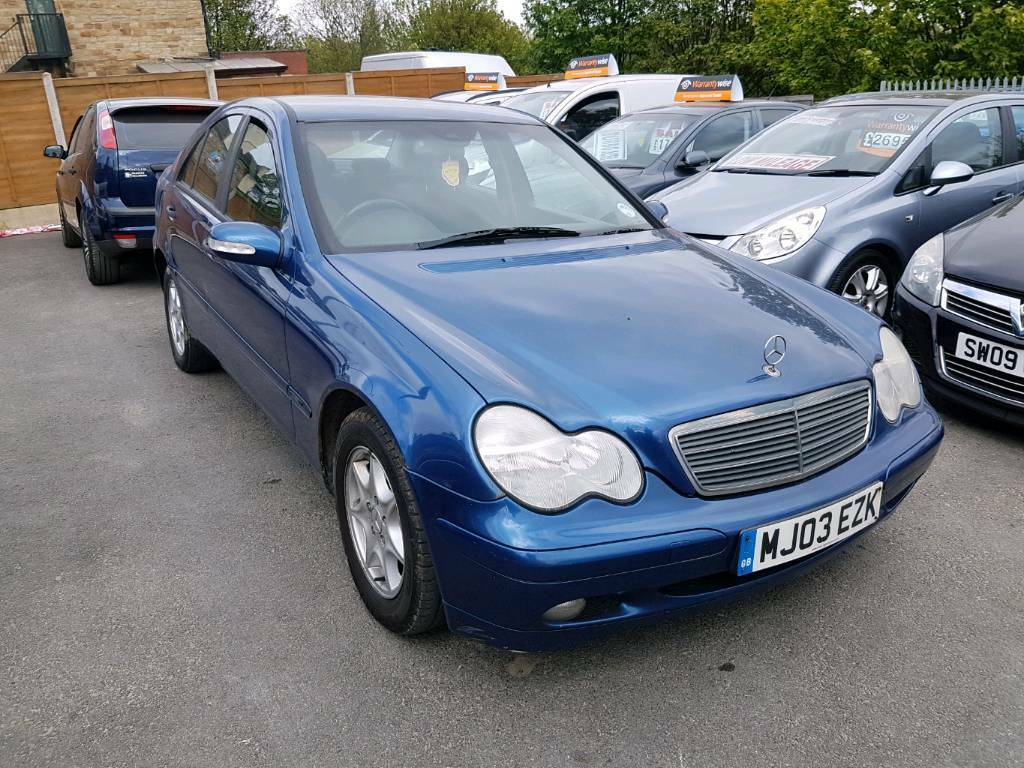 2003 mercedes c class c220 cdi elegance auto blue diesel starts and drives bargain in dewsbury. Black Bedroom Furniture Sets. Home Design Ideas