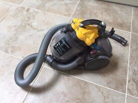 Dyson DC19 T2 - For spare parts (faulty motor)