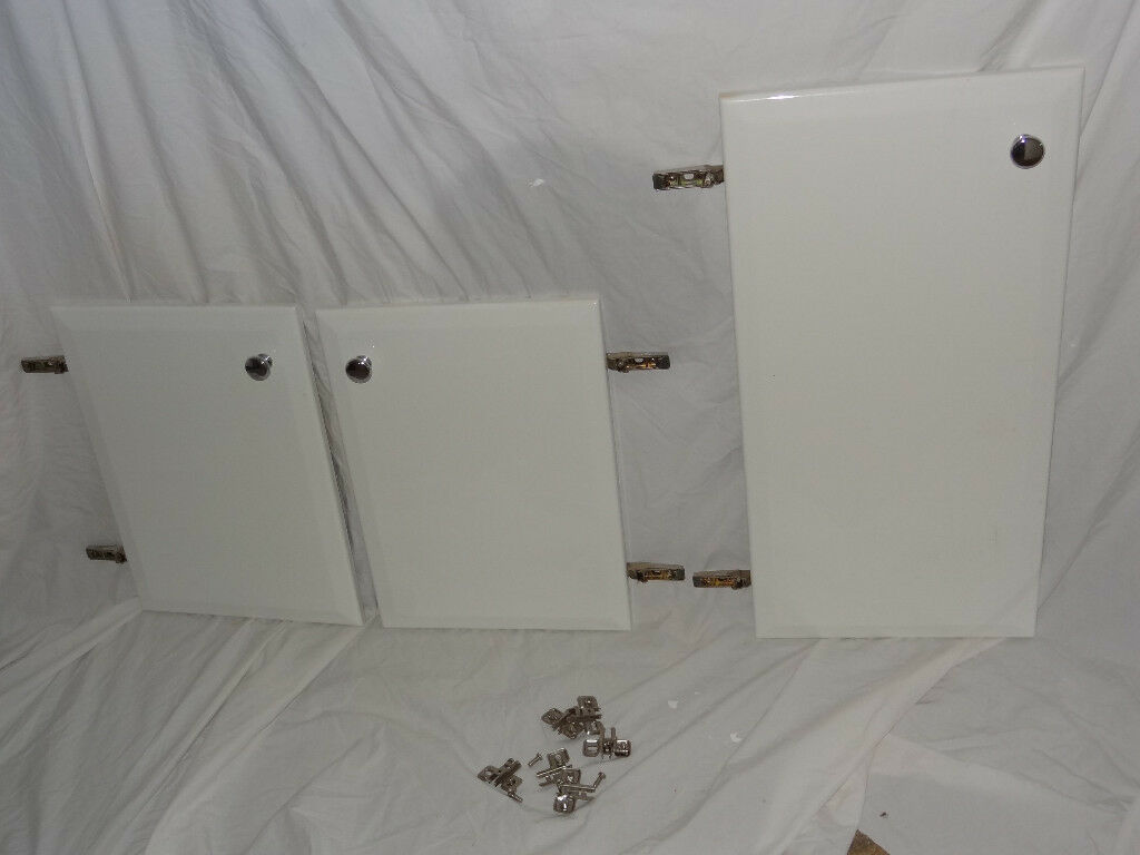 Cabinet Cupboard Doors with White Gloss Finish, Hinges and Chrome Handles