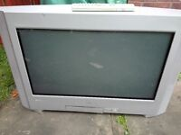 TV SONY 28 OR 29 WITH RC