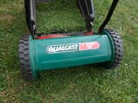 Qualcast Panther 30 Hand Push Lawn Mower With Grass Box