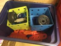 Kids nut and bolt construction set by the early learning centre