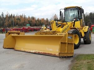 2004 New Holland LW130.B Snow Package w/Pusher