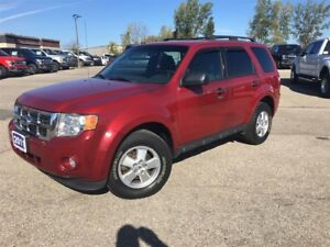2011 Ford Escape XLT - 3.0 L V6, 4WD!