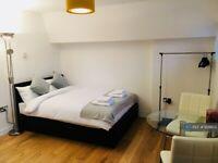 Studio flat in Rococco House, London, E1 (#929802)