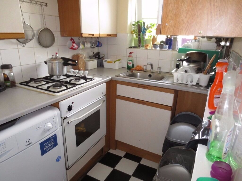 1 Bedroom to rent in four bedroom flat - Ascalon House, Thessaly Road, London, SW8