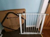 Saftey gate with box