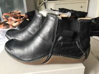Clarks ankle height boots size 6