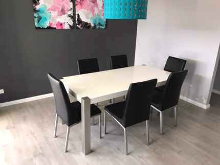 White Gloss Dining Table And Black Chairs